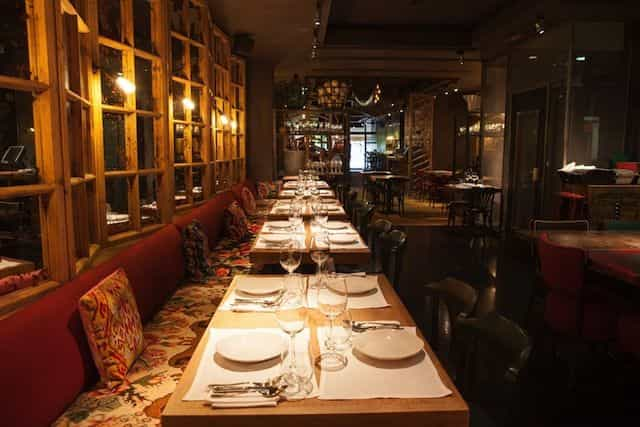Interior restaurante L'Eggs