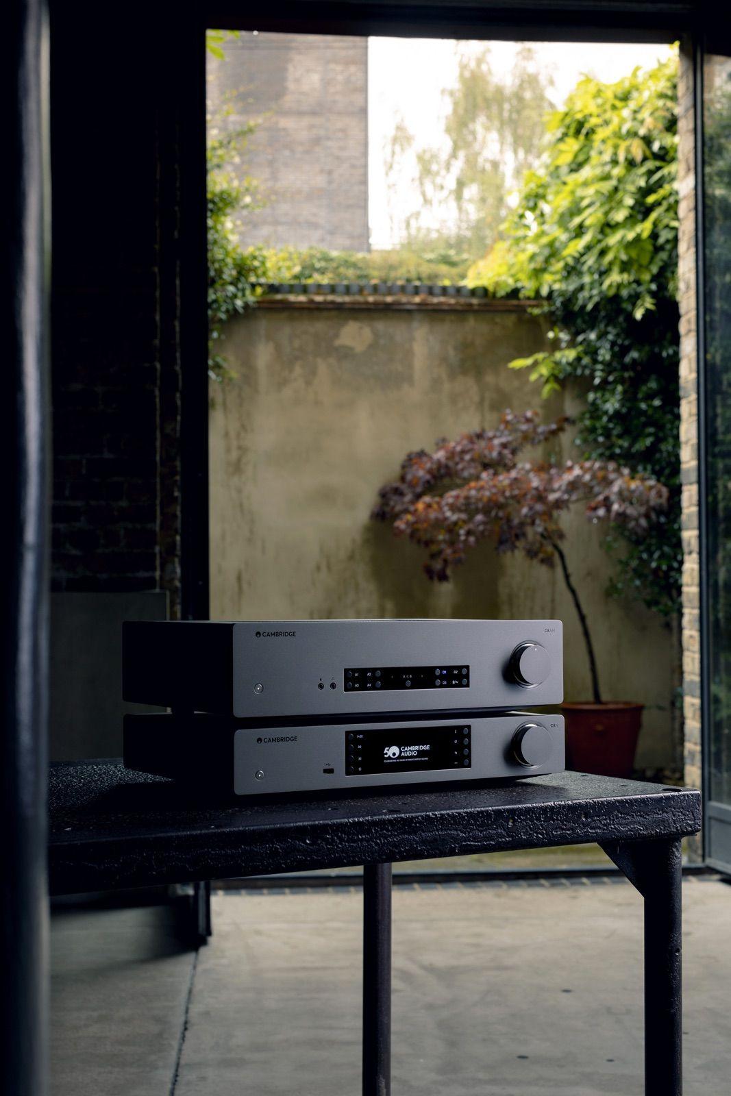 Cambridge Audio CXN v2 apilado