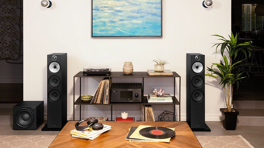 Bowers&Wilkins 603 junto con subwoofer